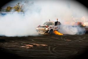 Run Riot RAcing's Gemini does a burn out!